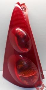 Peugeot 107 hátsó lámpa